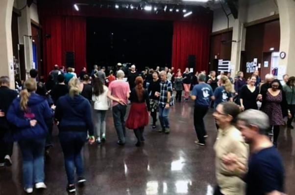 Stage de danses du pays bigouden a savigny